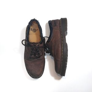 Dr Martens low top brown size 8